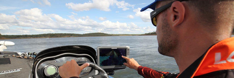 Dean Silvester – Bass Fishing With StructureScan 3D